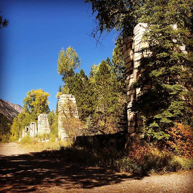 "Marble, Colorado. ""In 1913 and 1914 the large marble pillars that remain today were constructed as support for the overhead crane, which helped increase production."" From  http://www.marbletourismassociation.org/mill_site.html  #historicalsite #marblecolorado #fallcolors #marblequarry"