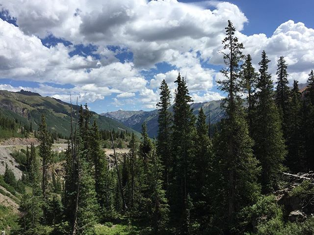 View from the Million Dollar Highway. #colorado #mountains